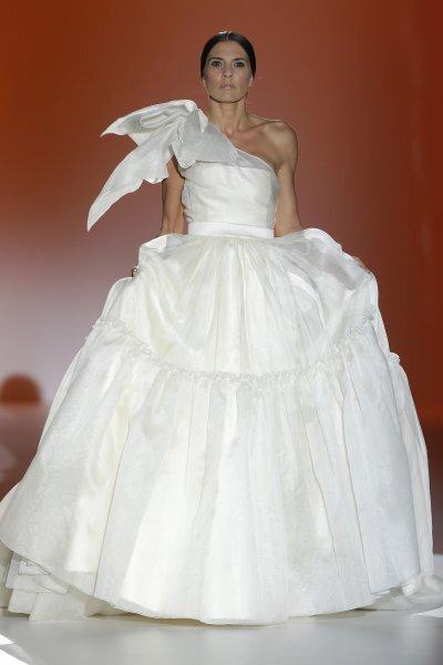 Vestidos de novia primavera 2015 de Juana Martín