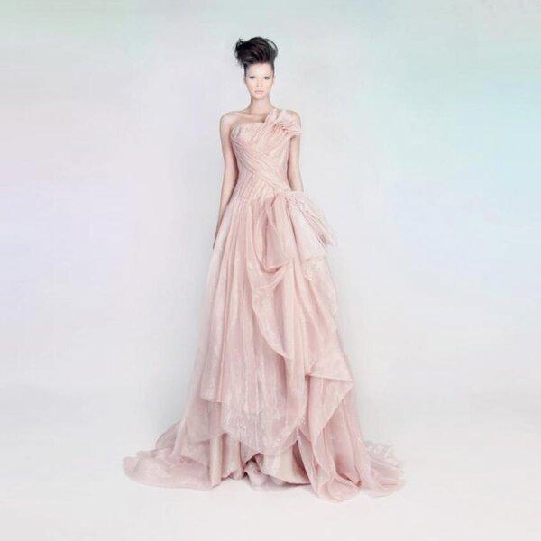Pastelowa suknia wieczorowa z kolekcji Rami Kadi