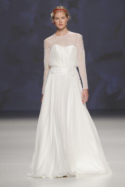 Langarm-Brautkleid mit leichter A-Linie – Foto: Victorio & Lucchino