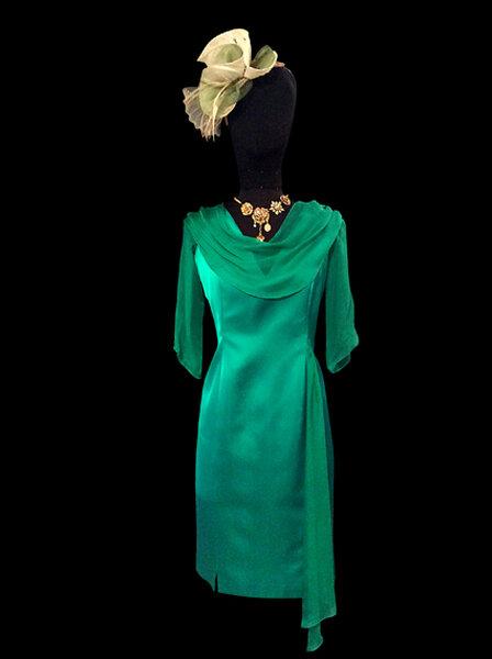 Robe en satin vert et mousseline par Catherine Varnier