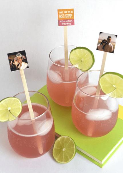 Fotos vom Brautpaar als Cocktail-Detail