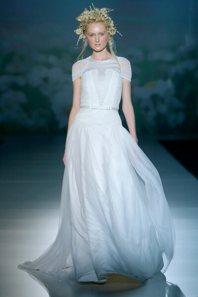 Coleção de Vestidos de noiva Victorio & Lucchino 2014. Foto: Barcelona Bridal Week / Ugo Cámara.
