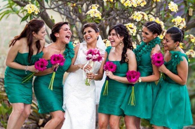 Disfruta de una sesión de fotos muy divertida con tus damas de boda y exploten toda su creatividad