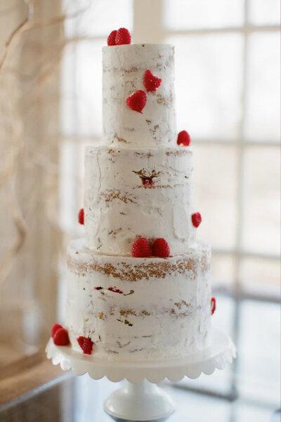 Semi-naked cake. Dando um efeito marmore. Foto: Alea Lovely