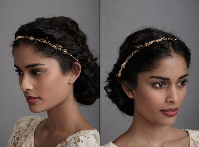Peinados para novia con accesorios románticos