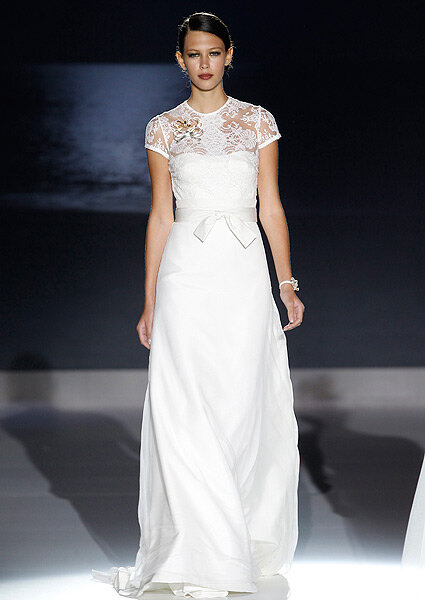 Koronkowa suknia ślubna, trendy ślubne 2013