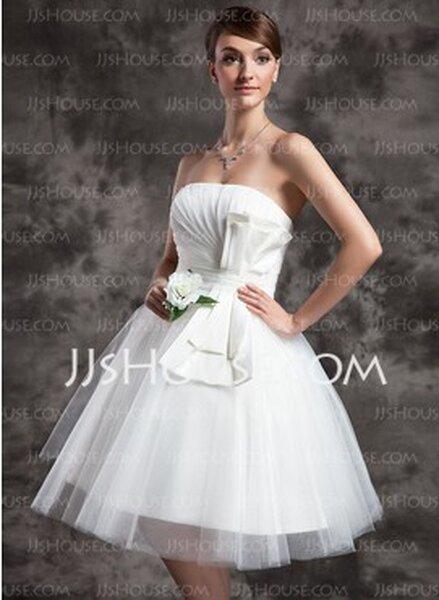 Abiti da sposa corti sotto € 200,00. Foto: www.jjshouse.com/AbitiSposa