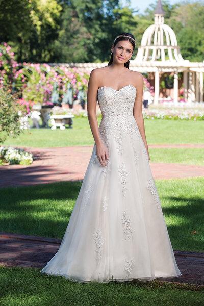 Style 3923, Sincerity Bridal.