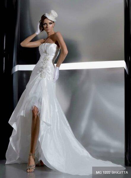 La nuova collezione Gritti Spose  2012, perfetta per la sposa romantica. Foto: www.grittispose.com/