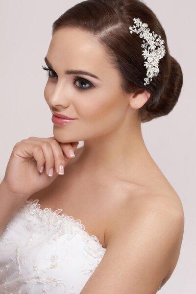 Gesteck mit Kamm für die Brautfrisur