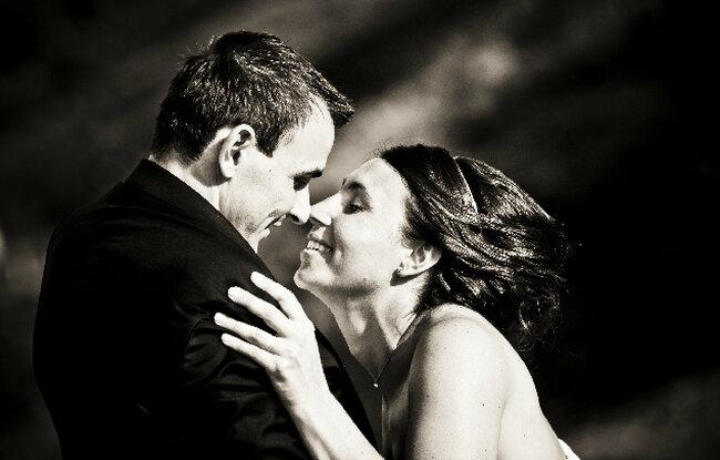 O beijos dos noivos. Foto: E&S