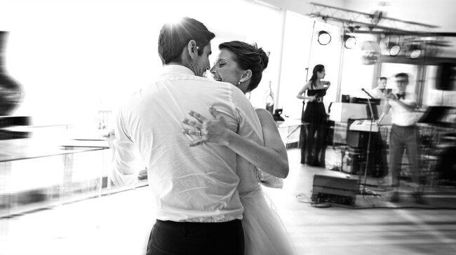 """Foto: Ludgi Fotógrafos; Artigo """"10 Emoções que todas as recém-noivas vão sentir"""""""