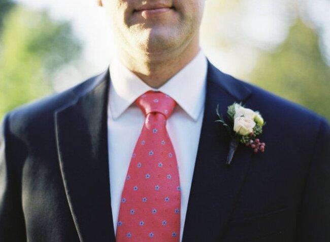 Classica, colorata, tradizionale: ad ogni sposo la sua cravatta!