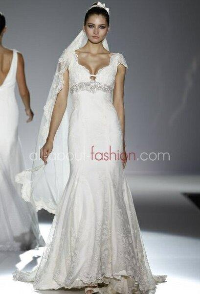 Suknia ślubna z kolekcji Franc Sarabia 2013