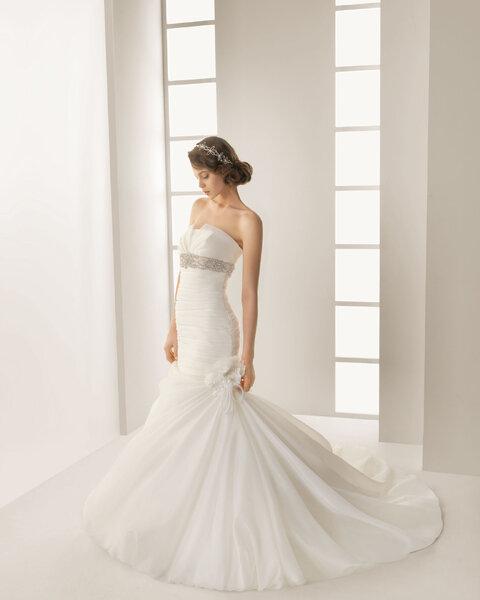Suknia ślubna rybka z kolekcji Two by Rosa Clara 2013, model: Detroit