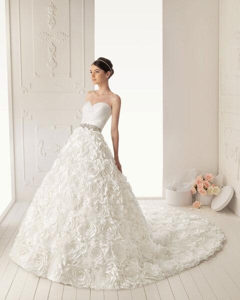 Romantische Brautkleider von Aire Barcelona