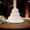 Tarta de bodas con flores blancas. Foto: Rafael Porto