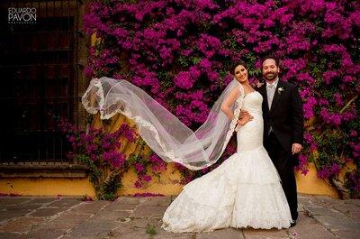 Rosa bugambilia en todo su esplendor: La boda de Jimena y Pablo enmarcada en color