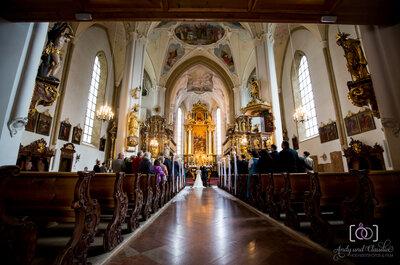 7 Tipps für den emotionalen Einzug in die Kirche – So können Sie diesen wichtigen Augenblick genießen