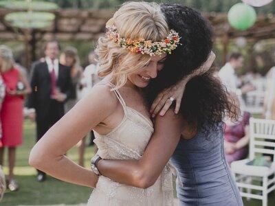 12 Momente, in denen Sie bei der Hochzeit nicht auf Ihre beste Freundin verzichten können!