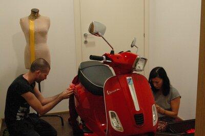 Transporte para los novios: ¿qué tal ir en una Vespa?