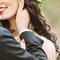 A noiva optou por um look com lábios vermelhos, uma boa escolha na nossa opnião!