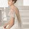 Hochzeits-Kleid: Brautkleid mit Volantes aus Tüll und dekorativen Ärmeln