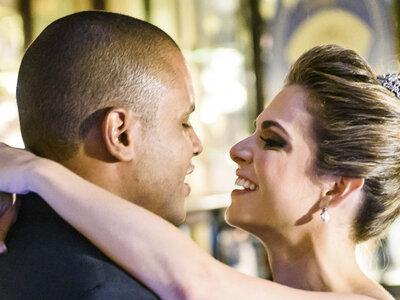 Tainá & Rodrigo: casamento com a combinação entre clássico e urbano na Confeitaria Colombo no  Rio de Janeiro