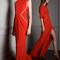 Vestidos de fiesta 2014 largos en color rojo intenso con cortes en el costado y detalles asimétricos