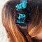 Cintillo con detalle en encaje azul y negro. Foto: Nuez Moscada