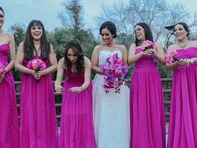 Una boda única en rosa encendido: El gran día de Mayte y Fer en San Pedro Museo del Arte