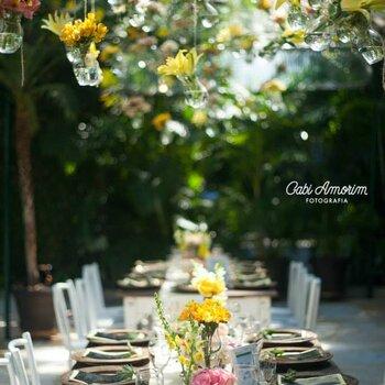 Sommerliche Hochzeitsdekoration 2015: Frische Farben, kreative Details und florale Elemente!