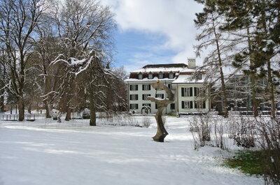 Schloss Hünigen: Prächtige Säle und märchenhaftes Flair für Ihre Schweizer Traumhochzeit!