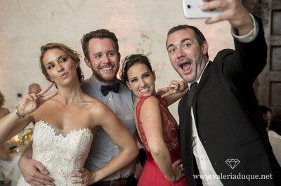 Cómo combinar tu look con el de tu pareja para una boda a la que han sido invitados. ¡7 ideas geniales!