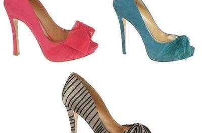 Zapatos para novia con colores brillantes, pedrería y plumas: tendencias 2013