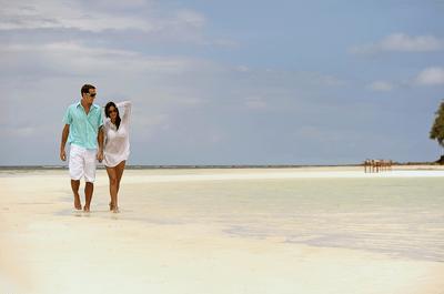 ¡Novia aventurera! 8 deportes acuáticos para disfrutar en pareja en tu luna de miel