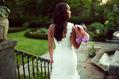 Ideas y detalles en amarillo y violeta para tu boda
