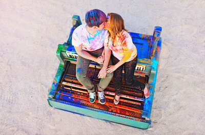 Sesión de fotos de compromiso: explosión de color