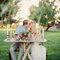 Decoración recargada para una pequeña mesa; perfecto para una cita romántica.