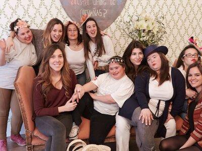 Ein Tag als Hochzeitsgast: Die besondere Beauty-Party am Welt-Down-Syndrom-Tag 2015