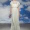 Locker fallende Stoffe und transparente Ausschnitte für den 20er-Jahre Brautlook