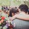 Feche os olhos, abrace e pense que você se casou com o amor da sua vida! como não se emocionar? Foto: Josh Devotto