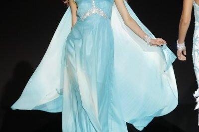 Convidadas sensuais e exóticas: vestidos de festa Sonia Peña 2015