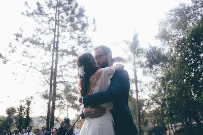 Casamento ao ar livre na serra de Isabel & Rafael: criatividade e inovação em Mairiporã!