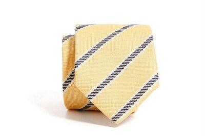 Frühlingshafte Krawatten-Trends für Hochzeitsgäste
