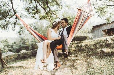 Romantyczne jezioro, hamak, łąka, Para i fotograf. Tak powstała ta fantastyczna sesja i zachwyca!