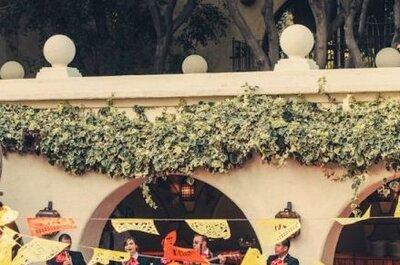 Hochzeitsdekoration mit Girlanden