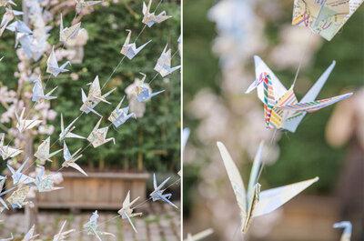 Bodas reales: delicada decoración con origami para una boda urbana al aire libre