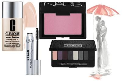 Mesa de regalos con los mejores productos de maquillaje para la esposa