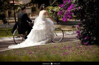 Inspírate en este trash the dress en bicicleta
